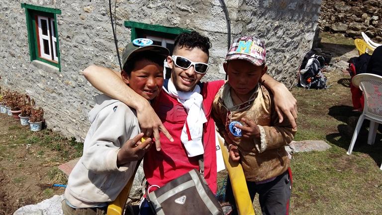 La rencontre du peuple népalais