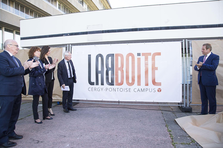première pierre de LABBOITE, FabLab de Cergy-Pontoise