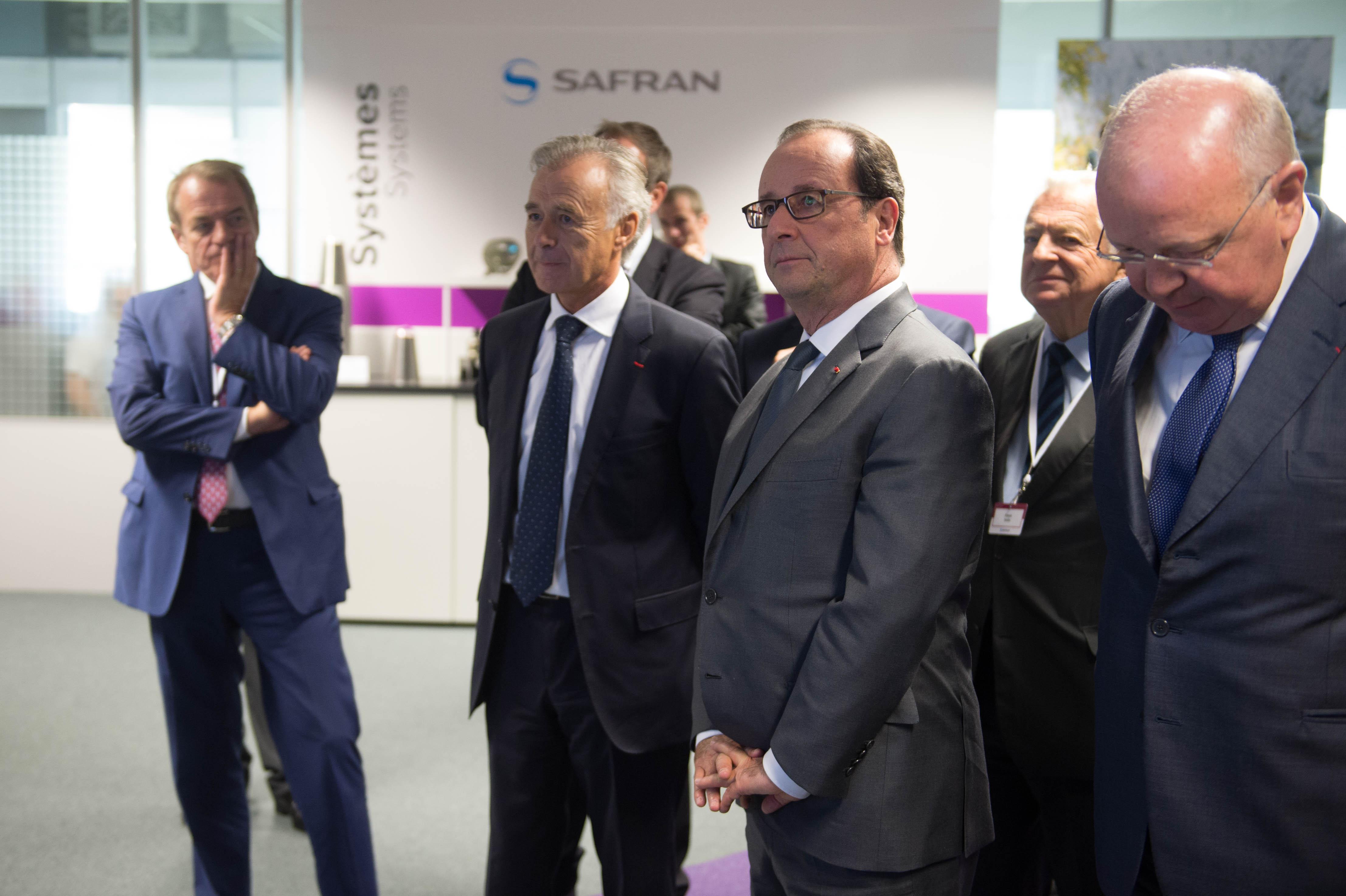 François Hollande et Dominique Lefebvre lors de l'inauguration du nouveau centre de recherche de Safran à Eragny