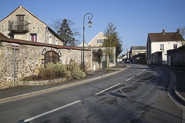 Courdimanche village