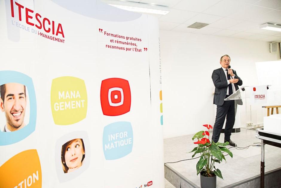 Présentation du futur bâtiment d'ITESCIA le 3 février à Cergy-Pontoise avec Dominique Lefebvre