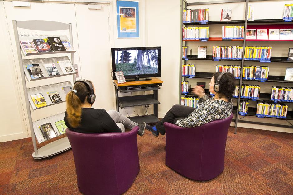 Le nouvel espace dédié au documentaire à la BEI de Cergy-Pontoise