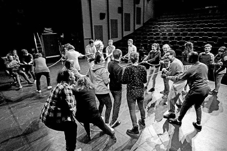 Les ateliers théâtre du groupe zigzag avec des personnes handicapées à Cergy-Pontoise