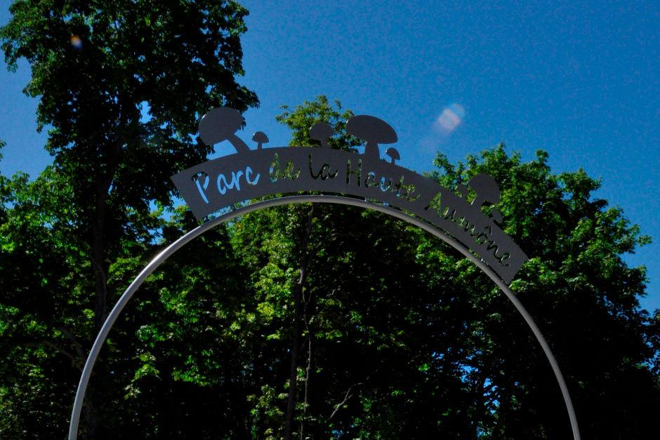 arche d'entrée du parc de la haute aumône à Cergy-Pontoise