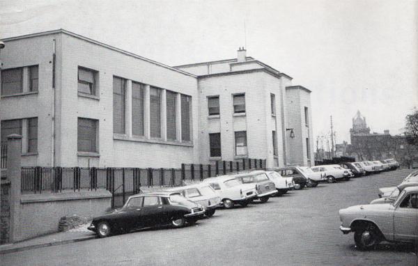 tribunal de Pontoise - façade art déco