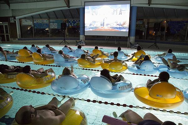 séance cinéma, piscine Axe-majeur, Cergy, Cergy-Pontoise