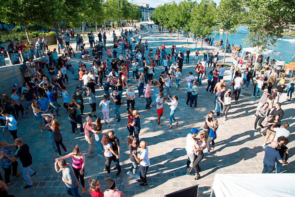 Danse latines sur les quais de Pontoise. Oise en fête 2017