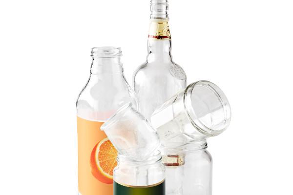 bouteilles et bocaux en verre