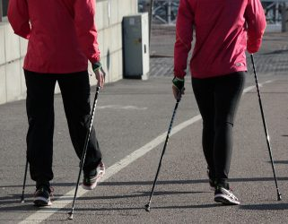 https://13commeune.fr/wp-content/uploads/2019/08/pixabay-nordic-walking-940x627-321x250.jpg