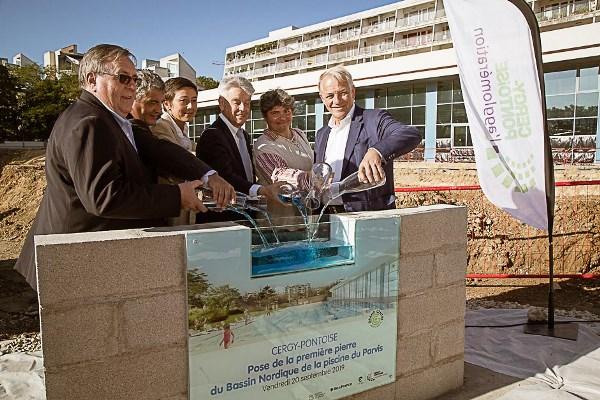 Première pierre du futur bassin nordique de la piscine du Parvis, dans le Grand Centre © CACP
