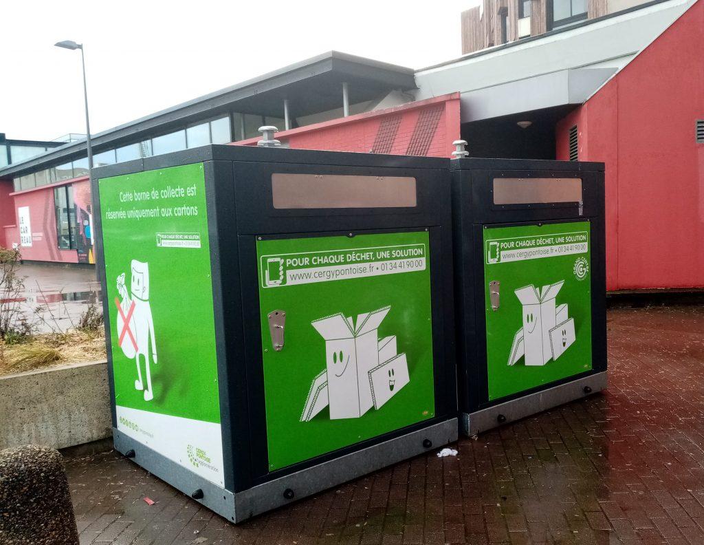 Collecteurs verts à gros cartons