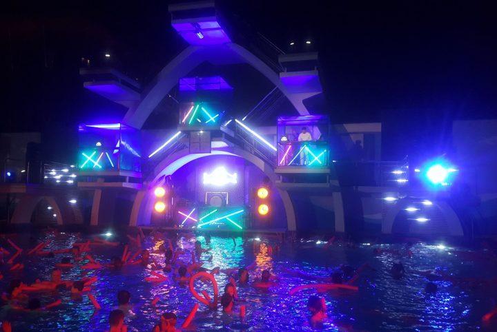 Concert dans la piscine