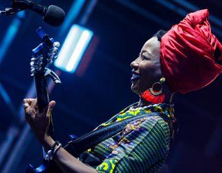 https://13commeune.fr/wp-content/uploads/2020/03/Fatoumata-Diawara©Kenny-Mathieson-321x250.jpg