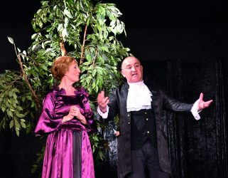https://13commeune.fr/app/uploads/2020/03/p10-TheatreAmateur-Photo4-Th-Carillon-321x250.jpg