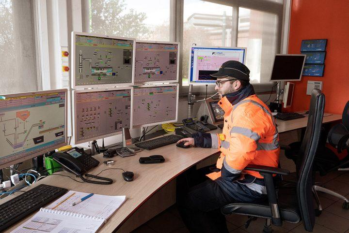 Poste de contrôle de la chaufferie bois du réseau de chauffage urbain de l'Agglomération