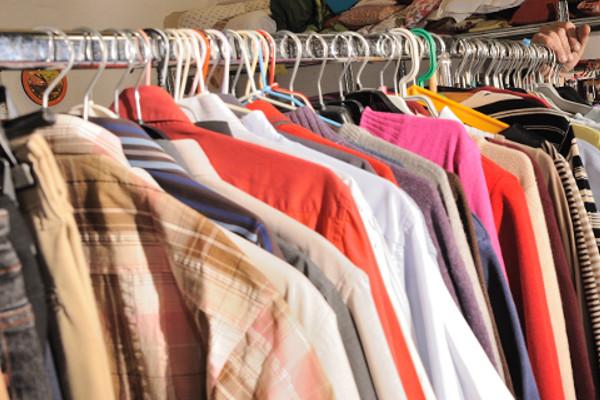 penderie de vêtements récupérer