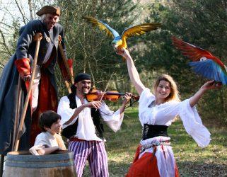 https://13commeune.fr/app/uploads/2020/07/Les-pirates-de-Nan-Compagnie-321x250.jpg
