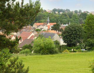 https://13commeune.fr/app/uploads/2020/07/Sentier-Berthe-Morisot-à-Maurecourt-©Philippe-Lhomel-4-321x250.jpg