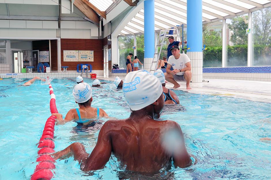 """Stage """"J'apprends à nager"""" été 2019 à la piscine de l'Axe majeur avec un éducateur qualifié de CPN."""