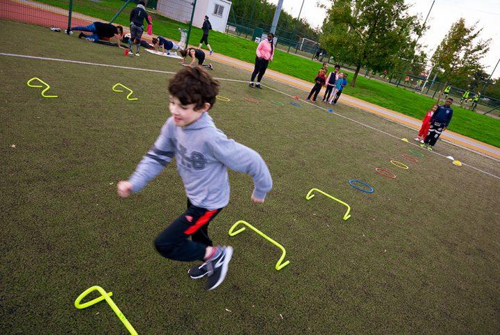 Section d'athlétisme des Louvrais à Pontoise : entraînement des poussins.