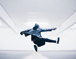 https://13commeune.fr/app/uploads/2020/10/breakdance1-321x250.jpg