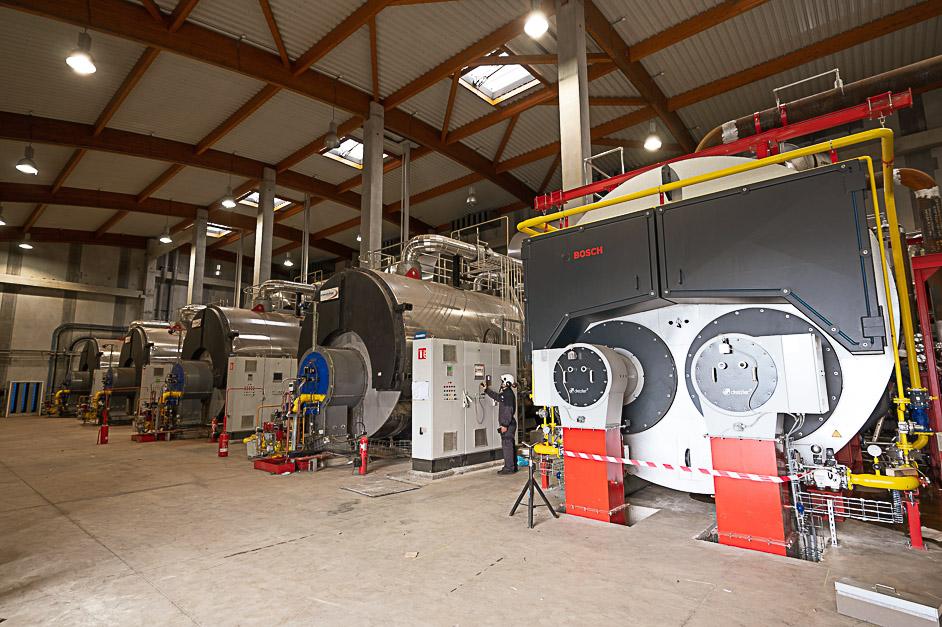 La toute nouvelle chaudière au gaz installée avec ses 4 sœurs à la chaufferie des Linandes en novembre 2020.
