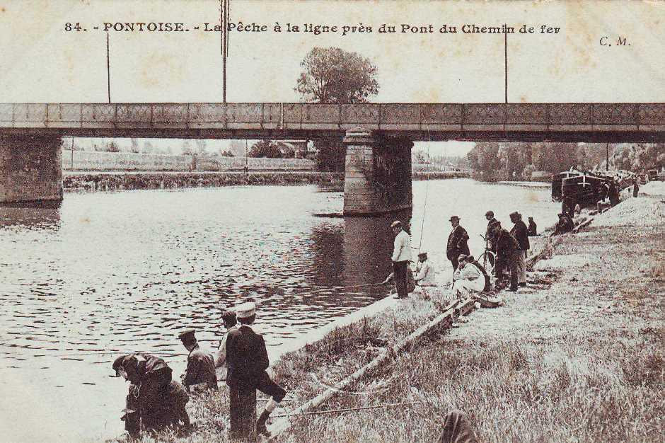 La pêche à la ligne près du pont du chemin de fer construit en 1861. Archives municipales-Pontoise