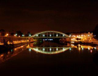 https://13commeune.fr/app/uploads/2020/11/Le-Pont-de-chemin-de-fer-construit-en-2000-c-L-Gres-321x250.jpg