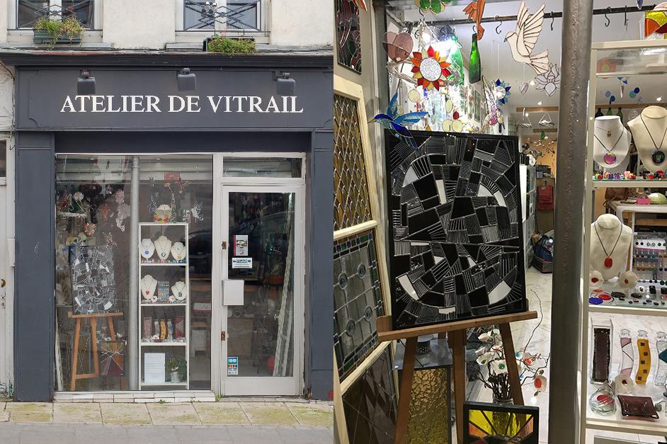 Vitrine de l'Atelier du vitrail, place du Grand Martroy à Pontoise