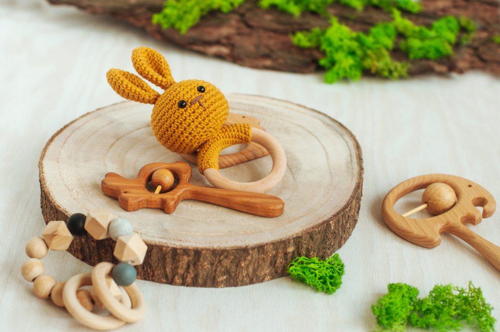 Jouets de bébé en bois
