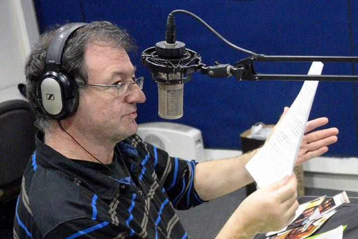 """José Guérin Directeur de Radio RGB à l'antenne pendant son émission """"Fêt'Arts"""" du 8/11/13"""