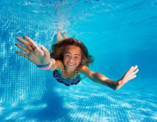 Accéder à 8-15 ans ! Activités ludiques piscine de l'Hautil pendant les vacances de Noël
