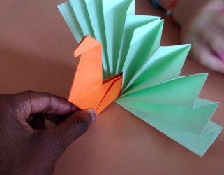 """Accéder à Atelier origami, exposition """"Faune de papier"""""""
