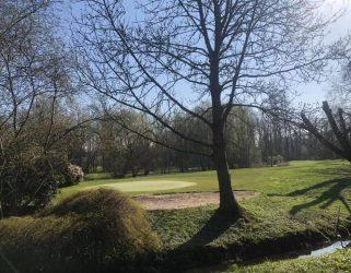 https://13commeune.fr/app/uploads/2021/04/Golf-SOA4-©-Ugolf-Saint-Ouen-lAumone-321x250.jpg