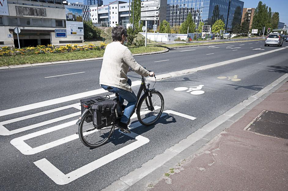 Voie bus-vélo boulevard de l'Hautil