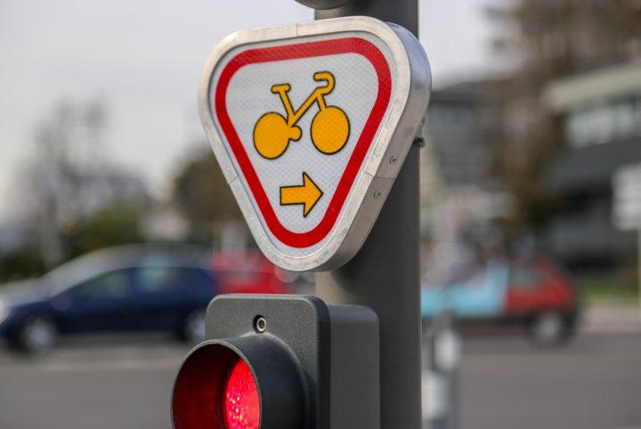 """Panneau """"cédez le passage"""" Vélo"""