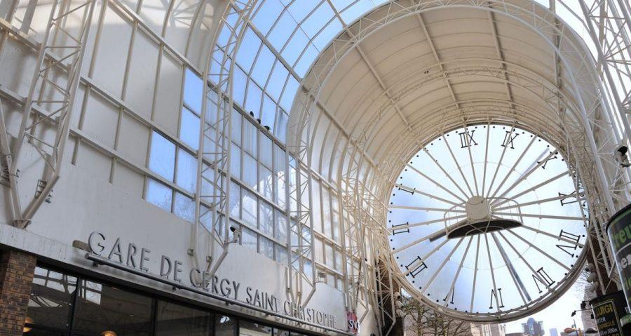 Horloge et verrière de la gare de Cergy Saint-Christophe